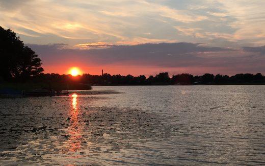 Sonnenuntergang Hausboot See