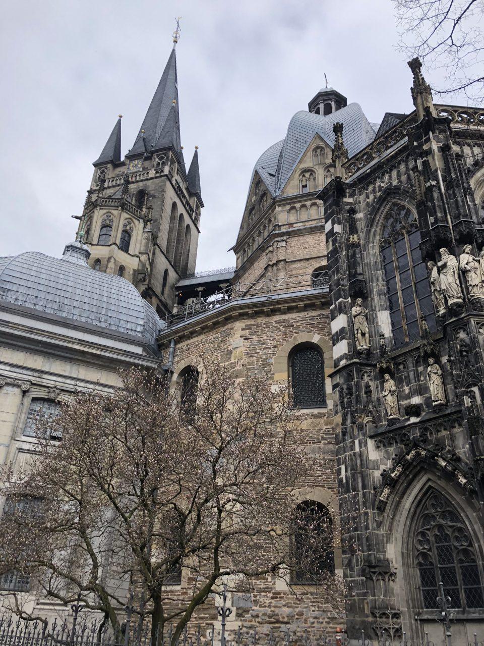 Aachener Dom außen